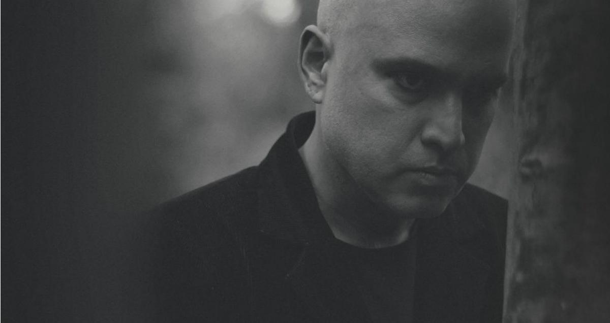 Carlos Compson presenta su nuevo álbum «El Intermediario»